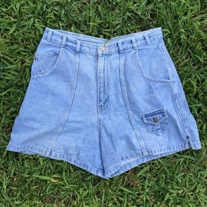 BLUE CARPENTER STYLE HIGH WAISTED JEAN SHORTS